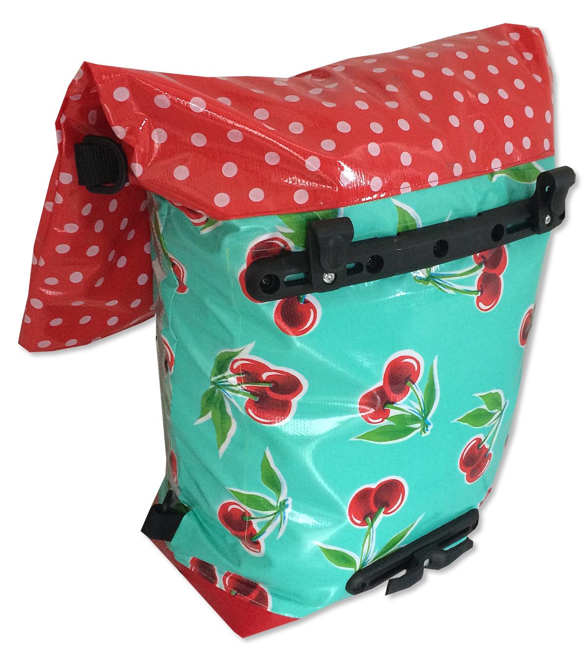 funfabric kostenlose anleitungen taschen fahrradtasche schnittmuster kostenlos. Black Bedroom Furniture Sets. Home Design Ideas
